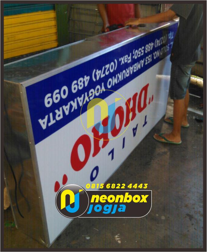 Neon box Akrilik murah di Jogja