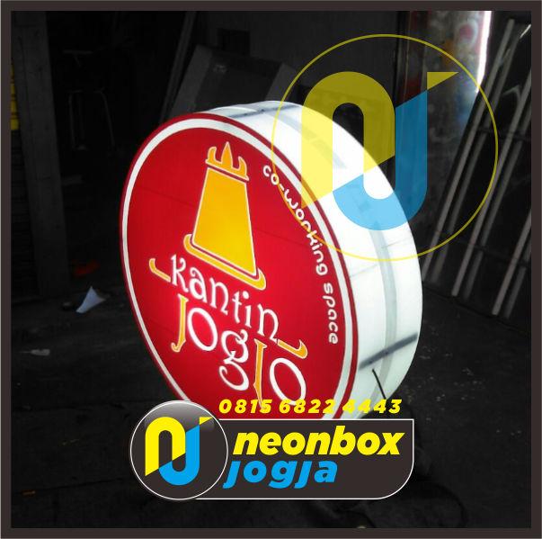 Pembuatan Neon Box di Jogja